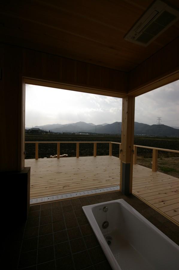 飯道山を望む家10