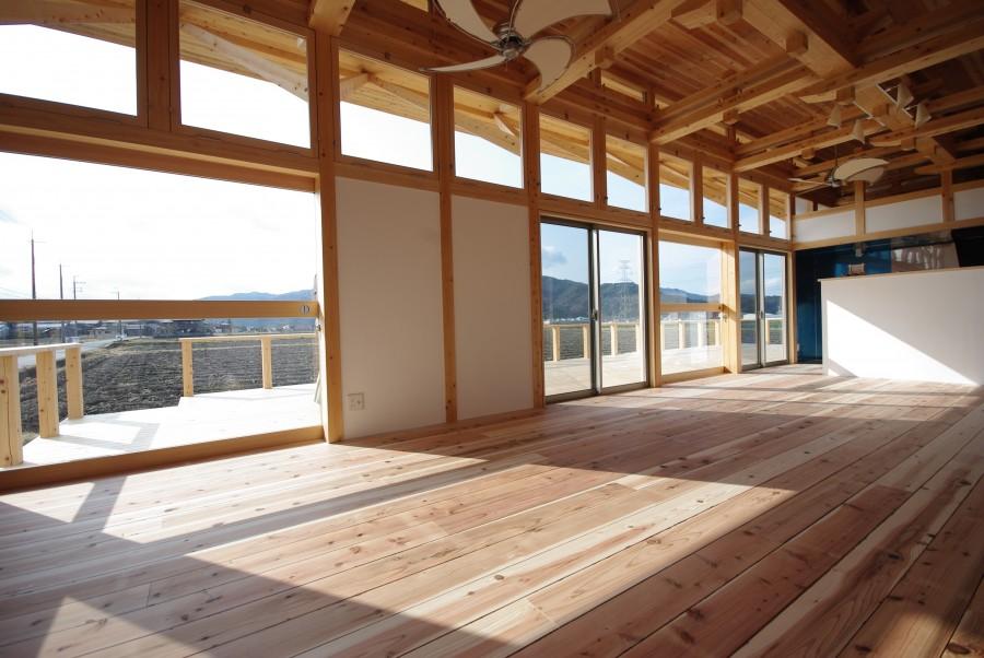 飯道山を望む家4