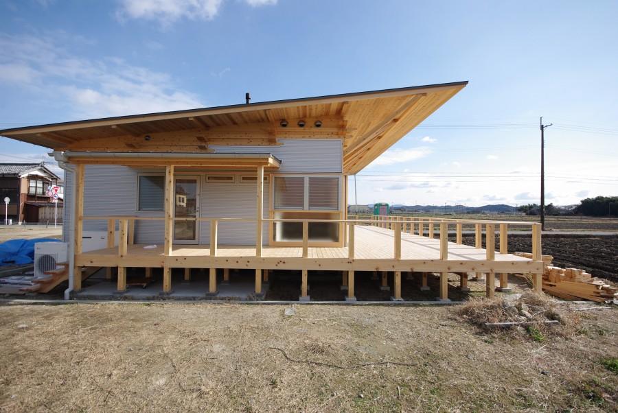 飯道山を望む家8