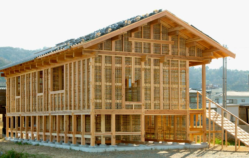 宮内建築設計士が母のために建てた家